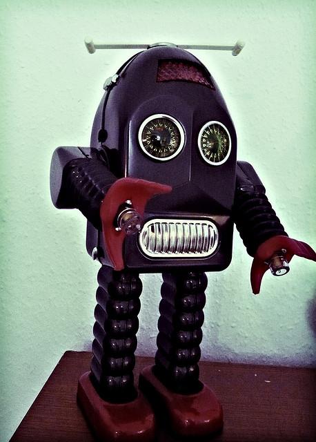 Robot by Sebastian Lund